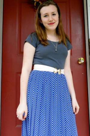 blue polka dots vintage skirt - charcoal gray eco-cotton H&amp;M shirt