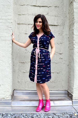 hot pink asos boots - navy brooklyn industries dress
