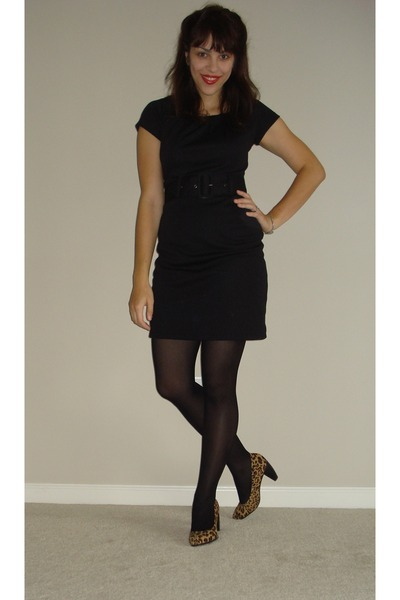 black h m dresses black tights gold deena ozzy shoes