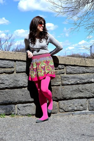 hot pink tights - heather gray BDG shoes - tan Michael Stars sunglasses