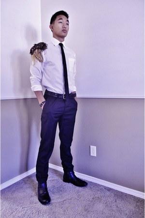 black 80 Bar III boots - white 15 H&M shirt - black 25 H&M pants