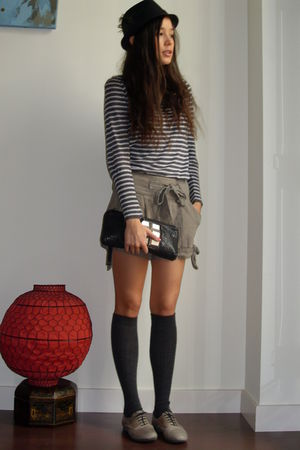 black Malababa bag - hoss shorts - Zara sweater - black Urban Outfitters Ny hat