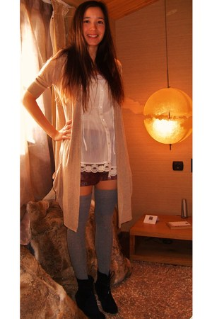 dark brown Zara shorts - ivory Primark blouse - heather gray Zara stockings - Pr