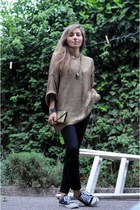 bronze Zara sweater - black vintage pants - black converses sneakers