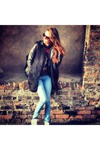 black black fur gilet H&M jacket - blue new look jeans - black H&M sunglasses