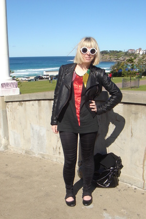 Leather jacket - Sass and Bide top - Sass and Bide black rat leggings - Karen Wa