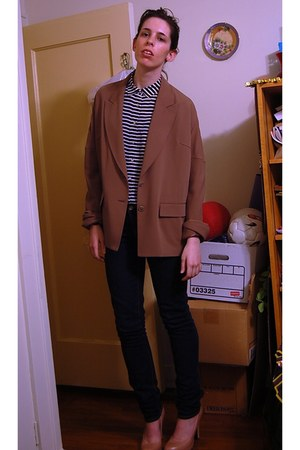 tan oversized maison martin margiela blazer - tan Cole Haan pumps
