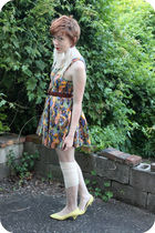 yellow vintage shoes - purple Motel dress - brown vintage belt - beige modcloth