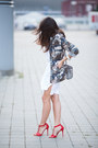 White-loose-cotton-zara-dress-forest-green-oversized-army-unknown-jacket