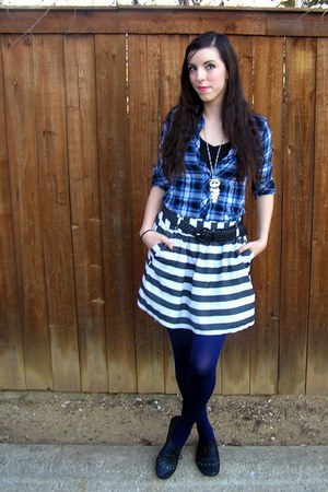 blue unkown shirt - black Riot shoes - blue We Love Colors tights