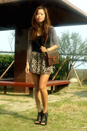 top - t-shirt - skirt - shoes