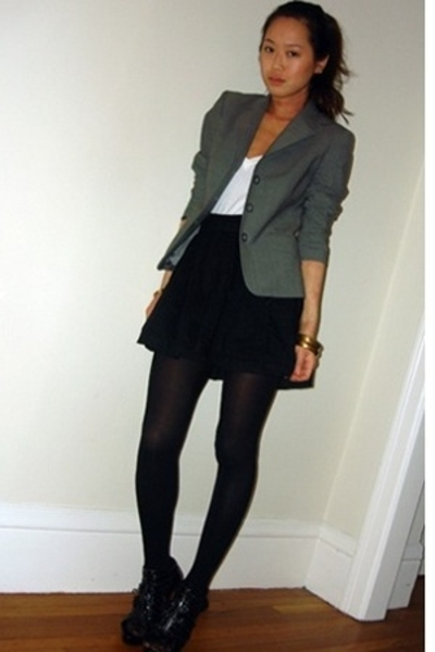 blazer - Wet Seal t-shirt - forever 21 skirt - H&M tights - Bebe shoes