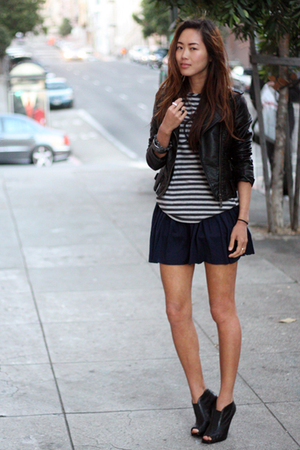 black jacket - gray shirt - blue skirt