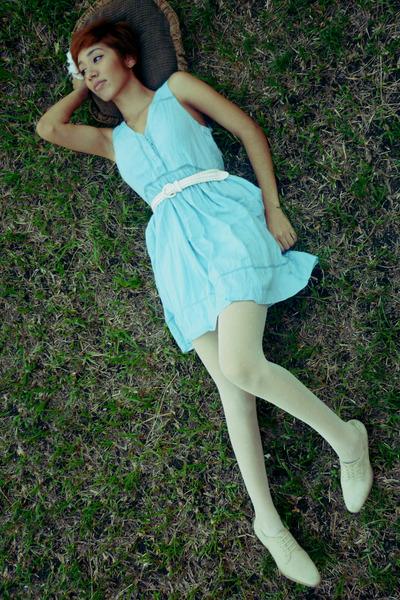 sky blue thrift dress - white thrift belt - white thrift tights - ivory thrift s
