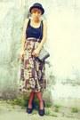 Black-f21-hat-black-moms-shirt-magenta-thrifted-skirt-magenta-thrifted-tig