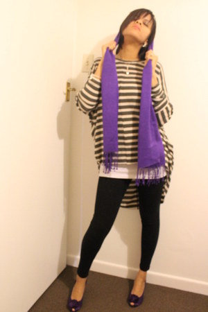 deep purple scarf - black tights - deep purple heels - silver jumper