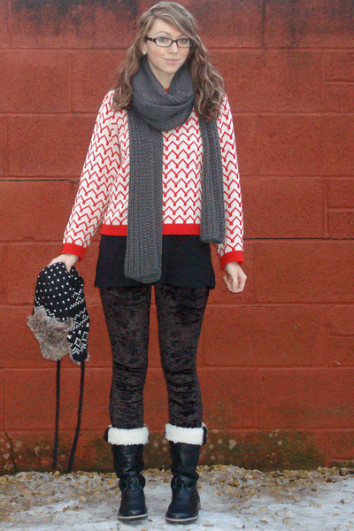 red Ebay sweater - gray scarf - black Topshop leggings - black boots - black hat