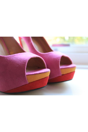 SDS heels