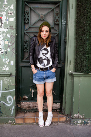 white coton Catchy t-shirt - black leather balenciaga jacket