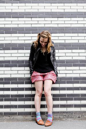 black vintage top - black balenciaga jacket - red Kenzo shorts - H&M socks