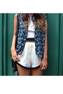 August-street-shorts-vest-house-of-harlow-necklace