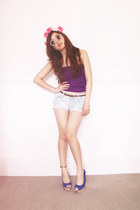 light blue American Eagle shorts - deep purple Marciano top