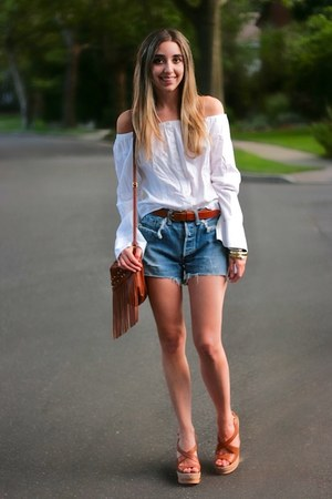 sky blue vintage Levis shorts - tawny fringe H&amp;M bag - tawny cork Prada wedges