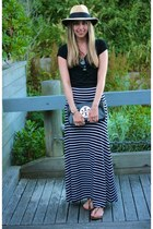 black striped maxi BCBG skirt - black clutch tory burch bag