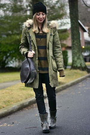 army green thermal free people top - dark gray harness Frye boots
