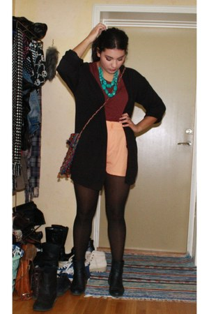 peach H&M shorts - black boots - maroon Vero Moda top