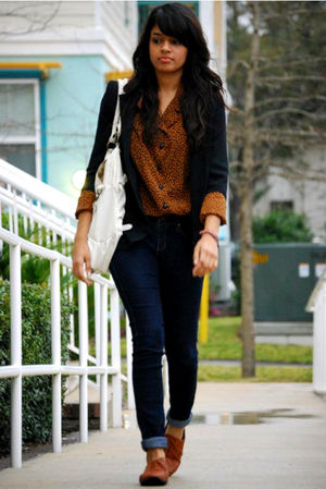 blazer - blouse - jeans - shoes - purse