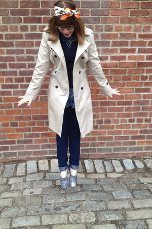 navy H&amp;M jeans - silver TOMS shoes - beige banana republic jacket