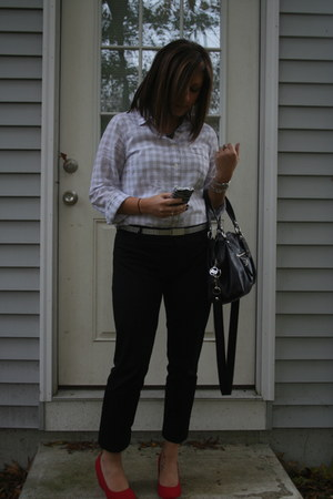 black bag - red shoes - silver shirt - black pants