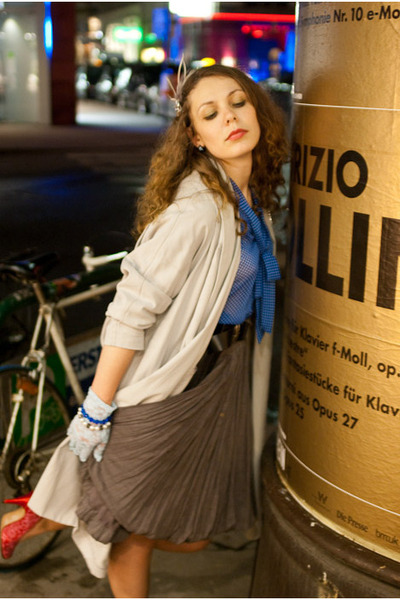 beige H&M coat - blue shirt - brown Miss Selfridge skirt - pink - blue H&M glove