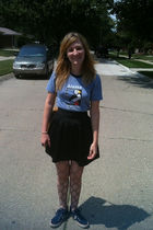 blue Alaska Center for the Environment t-shirt - black Urban Outfitters skirt -