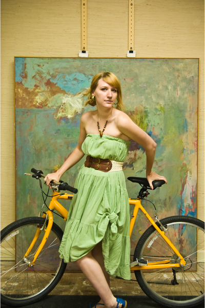 green skirt - brown Forever 21 belt - blue Aldo shoes - yellow Cannondale access