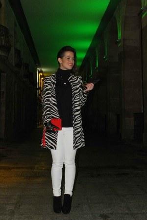 black Zara coat - white pull&bear jeans - red Zara bag