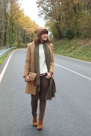light brown Zara coat - dark khaki Bershka jeans