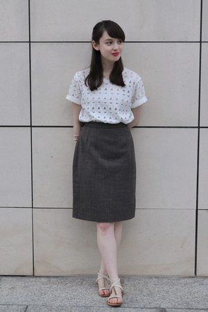 white cut out 33 Field Trip shirt - gray vintage Hobbs skirt