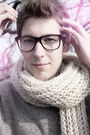 Heather-gray-levis-sweater-beige-urban-outfitters-scarf