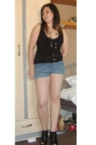 Oasis top - new look necklace - new look shorts - Debenhams shoes