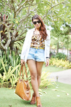 animal print blouse - white shirt - denim shorts
