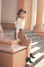 Black-chelsea-boots-black-fedora-vintage-hat-white-polka-dot-h-m-top