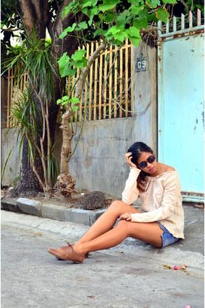 blue denim Relexe skirt - beige KAT top - dark brown Steve Madden flats