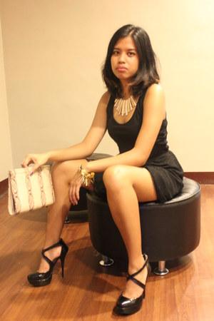 black big brands dress - beige snakeskin purse - white metallic necklace