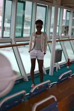white Forever 21 shorts