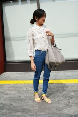 heather gray bag - blue denim pants - white polka dot blouse - yellow sandals
