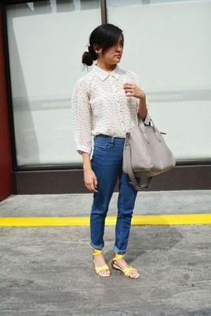 heather gray bag - blue denim pants - white polka dot blouse - yellow sandals