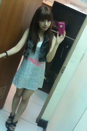 gray blazer - blue dress - black shoes