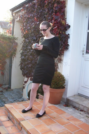 H&M top - H&M skirt - shoes - Ray Ban sunglasses